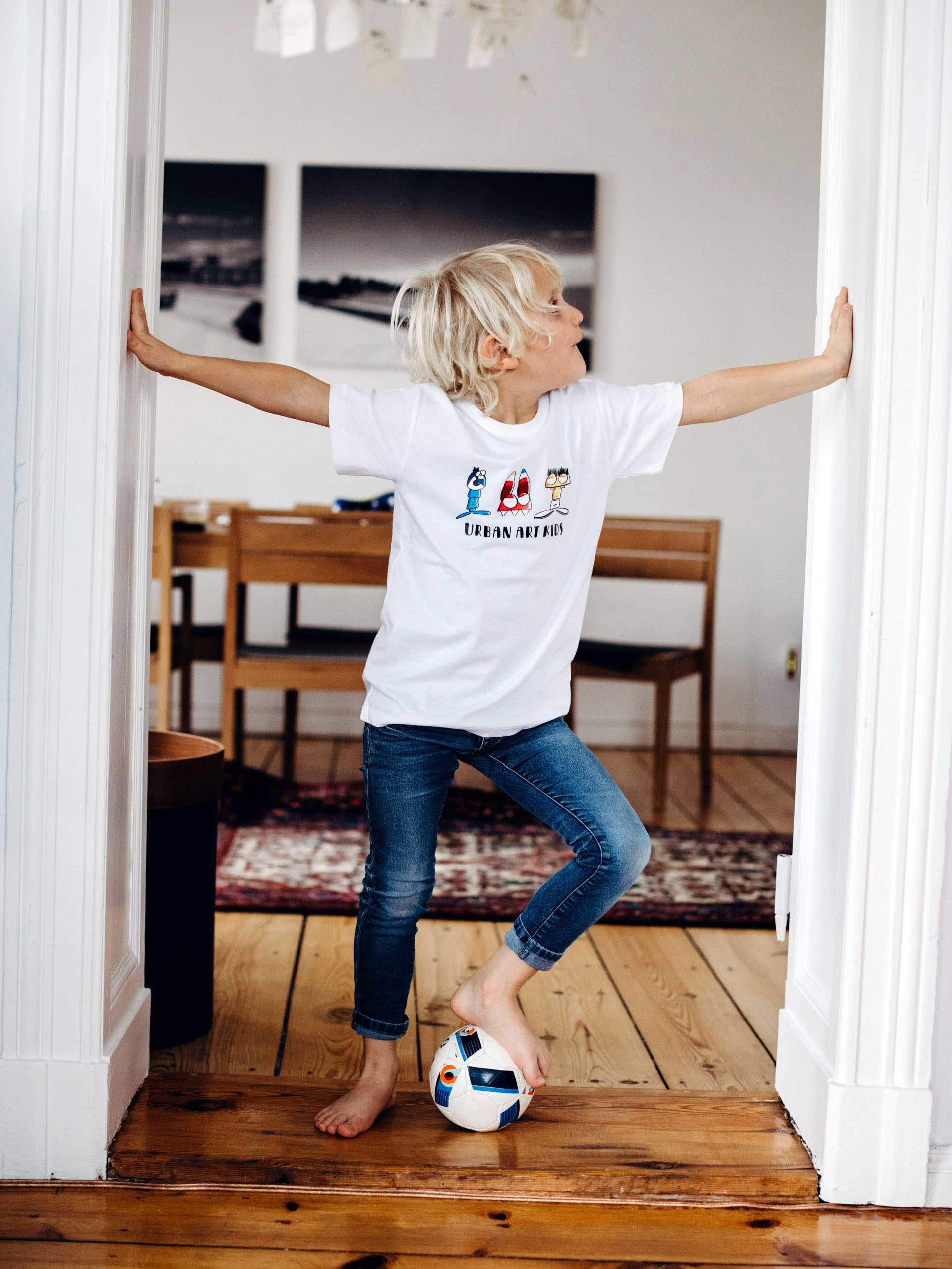 Kinder T-Shirt Basics in weiss