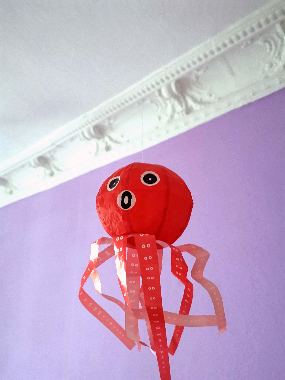 japanischer papierballon oktopus